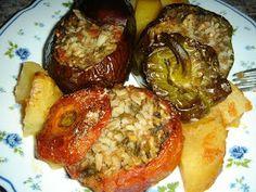 Betty's Cuisine: Γεμιστά με ρύζι Baked Potato, Potatoes, Baking, Ethnic Recipes, Food, Bakken, Eten, Bread, Potato