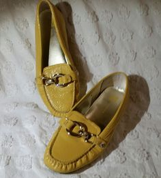 3aff01836ef ANNE KLEIN 8 M LOAFERS SLIP-ON SHOES FLATS YELLOW GOLD VEGAN LEATHER FAUX  SNAKE