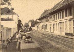 Buiten Nieuwpoortstraat te Batavia 1880-1900.