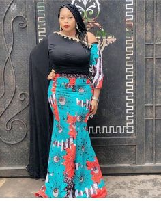 If you are looking for the latest Ankara styles, then this is the perfect post for you to consider. The styles is both stylish and unique. Ghanaian Dress Styles, Aso Ebi Lace Styles, African Fashion Designers, African Fashion Dresses, Ankara Fashion, Ghana Dresses, October Outfits, African Blouses, Skirt And Top Set
