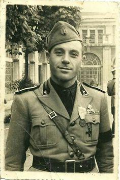 Il Maggiore Franco Scotti dell G.N.R. in divisa della Milizia. Ufficiale di Collegamento con le SS dell'Oberitalien-West