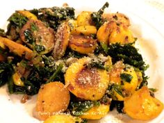 Pam's Midwest Kitchen Korner: Garlicky Pattypan Squash with Spinach