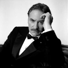 Kevin Kline by Brigitte Lacombe Brigitte Lacombe, Ricki And The Flash, Kevin Kline, Popular People, Famous People, People Of Interest, Book People, French Photographers, Matthew Mcconaughey