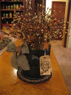 Primitive Sifter ~ fill mine with dried garden flowers and herbs Primitive Homes, Primitive Fall, Primitive Kitchen, Primitive Crafts, Primitive Christmas, Country Primitive, Christmas Crafts, Country Kitchen, Halloween Crafts