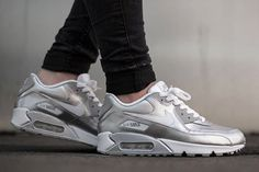 NIKE AIR MAX 90 (METALLIC SILVER) - Sneaker Freaker
