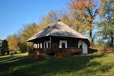 Un nou tur al României Top Destinations, Traditional House, Old Houses, Romania, Gazebo, Architecture Design, Outdoor Structures, House Design, House Styles