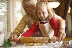HearSayLW: Holiday Baking for Listening, Spoken Language and Fun The Joy Of Baking, Baking With Kids, Christmas Mini Sessions, Christmas Photos, Christmas Outfits, Holiday Baking, Christmas Baking, Little Chef, Cooking Classes For Kids