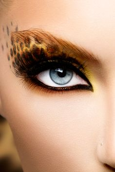 How To Do Leopard Eye Makeup?