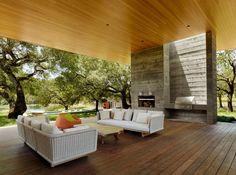 Summer Villa in California Blends With the Vivid Landscape - http://freshome.com/summer-villa-California/