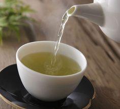 Chá verde é antioxidante e desintoxica o organismo