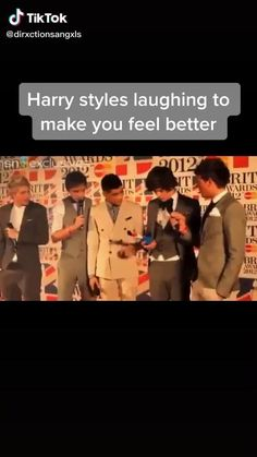 One Direction Harry, One Direction Humor, One Direction Pictures, Direction Quotes, Harry Styles Smile, Harry Styles Pictures, Harry Por, Love One Another Quotes, Canciones One Direction