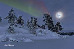 Photo Ismo Pekkarinen.Pieliseltä tammikuu 2016.Lake Pielinen January 2016. #finland #suomi #moon #auroraborealis #northern lights #revontulet #pielinen #talvi #winter #lieksa #pohjoiskarjala #norternkarelia #karelia #maisema #landscape #northernlights