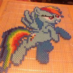 MLP Rainbow Dash perler beads by lornarickman