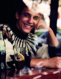 Miguel Herrán - Garay Talent - Representante de actores y directores Crush Crush, Best Tv Series Ever, Boys Are Stupid, Darren Criss, Netflix Series, Dimples, Aesthetic Pictures, Hot Boys, Pretty Boys