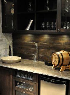 basement bar with a pretty wood backsplash #palets #pallets #palletfurniture…