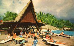 Paradise is Waiting. Vintage 1962 Kona lnn at Kailua-Kona Hawaii . Hawaiian Decor, Vintage Hawaiian, Tiki Hawaii, Kona Hawaii, Kailua Kona, Tiki Art, Tiki Tiki, Bar Pics, Tiki Bar Decor