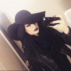 Alternative fashion and inspiration Hipster Grunge, Grunge Style, Black Grunge, Grunge Goth, Soft Grunge, Tokyo Street Fashion, Dark Beauty, Gothic Beauty, Instagram Inspiration