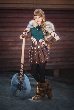 Astrid by Diana lipkina - Photo 107478471 / Vikings Costume Diy, Viking Halloween Costume, Vikings Halloween, Dragon Halloween, Halloween Cosplay, Astrid Cosplay, Costume Astrid, Dress Up Costumes, Girl Costumes