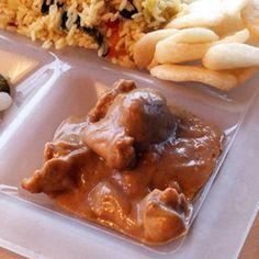 Kip in satésaus: Malse kip in een heerlijke satésaus.