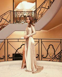 A minha ida a Cannes foi muito especial, e no post de hoje vim mostrar com mais detalhes o look que usei para a festa incrível e super badalada do The Harmonist, que aconteceu durante o Film Festival de Cannes. Escolhi um vestido minimalista, porém super glamuroso e sensual – no tecido Lamé em champagne,...