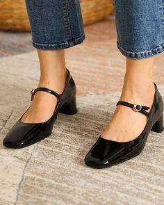 Low Heel Shoes, Low Heels, Shoes Heels, Flats, Mary Janes, Mary Jane Heels, Black Mary Jane Shoes, Ballerinas, Chic Type
