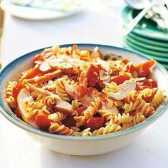 Recept - Rode pastasalade - Allerhande  lekker bij warm weer!!