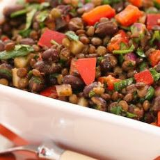 Black Bean and Lentil Salad Recipe with Red Bell Pepper, Cumin, and Cilantro; when I used to cater houseboat trips, this salad was something I made over and over! [from Kalyn's Kitchen] Lentil Salad Recipes, Easy Salad Recipes, Easy Salads, Vegetarian Recipes, Healthy Recipes, Vegan Meals, Advocare Recipes, Vegan Dishes, Healthy Options