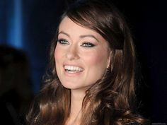 Olivia Wilde is always glowing and gorgeous! Olivia Wilde, Makeup Inspo, Beauty Makeup, Hair Beauty, Beauty Stuff, Celebrity Smiles, Celebrity Look, Health And Beauty Tips, Girl Crushes