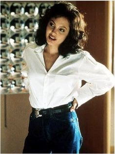 angelina jolie looking classy in jeans in the film Gia