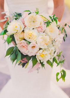 Christina's bouquet was so flowy and gardeny with ruffled double tulips and fragrant garden roses. Just so lovely!