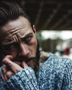 Billy Huxley I love this photo. Character Inspiration Male, Portrait Inspiration, Story Inspiration, Writing Inspiration, Billy Huxley, Men Photography, Portrait Photography, Hipsters, Pretty People