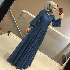 Hamzadere Tesettür Abiye Elbise Fiyat: 129 tl – Tesettür Ferace Elbise Modelleri 2019 Hamzadere Islamic Clothing Evening Dress Price: 129 TL to the I Hijab Evening Dress, Hijab Dress Party, Hijab Style Dress, Hijab Outfit, Dress Outfits, Evening Dresses, Modest Fashion Hijab, Abaya Fashion, Muslim Fashion