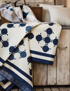 Snowball quilts - Preserving History Patchwork Patterns Inspired by Antique Quilts – Snowball quilts Two Color Quilts, Blue Quilts, Antique Quilts, Vintage Quilts, Patchwork Patterns, Quilt Patterns, Patch Quilt, Quilt Blocks, Snowball Quilts