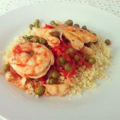Peixe marroquino cozido com cuscuz