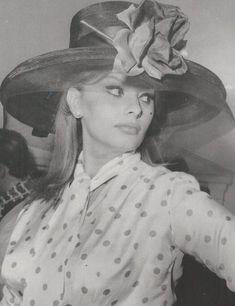 Sophia Loren Images, Grand Cross, Tina Louise, Cinema, Raquel Welch, Catherine Deneuve, Cary Grant, Michael Fassbender, Actresses