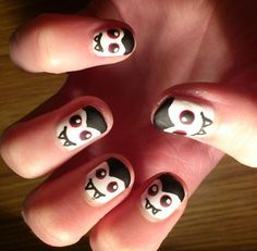 Dracula nails nail art design for Halloween.Here's one for you to try Cassie! Turquoise Nail Designs, White Nail Designs, Nail Art Designs, Halloween Nail Designs, Halloween Nail Art, Spooky Halloween, Halloween Ideas, Halloween 2017, Scary Nails