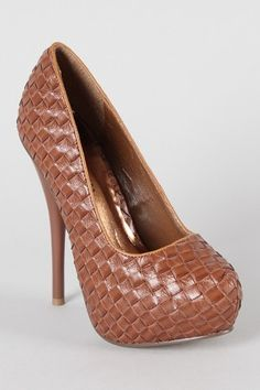 Recently become enamored with textured shoes. Loving these babes.