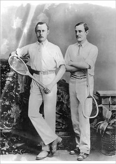 William and Ernest Renshaw were the first siblings to compete against one another at Wimbledon. Tennis Rules, Tennis Tips, Roger Federer, Wimbledon, How To Play Tennis, Tennis Online, Tennis Equipment, Vintage Tennis, Vintage Men
