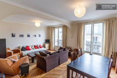 Down the Eiffel Tower 2 bedrooms in Paris
