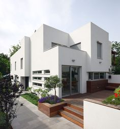 is this stucco smooth? house L - modern - exterior - tel aviv - Amitzi Architects
