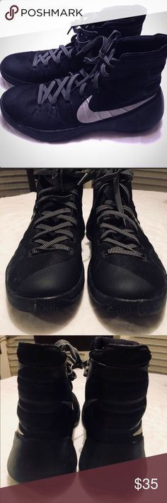 Men's nike sz 10 basketball shoes EUC Color black. Men's size 10 nike basketball shoes. Excellent condition, no wear and tear. Black with grey. Nike Shoes Athletic Shoes