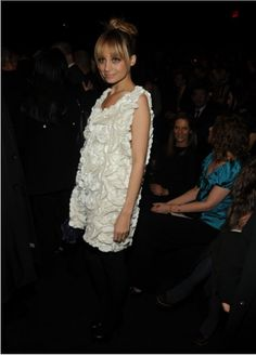 Nicole Richie seriously has the best bangs lol