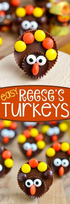 i ♥ Thanksgiving Calling all Reese's lovers! Look no further for the perfect Thanksgiving treat with these completely adorable Reese's Turkeys! Super easy to make and sure to please the chocolate and peanut butter lovers in your life! Pecan Desserts, Holiday Desserts, Holiday Baking, Thanksgiving Snacks, Holiday Snacks, Thanksgiving Cupcakes, Thanksgiving Prayer, Fall Snacks, Christmas Snacks