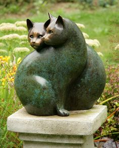 Georgia Gerber, Paired Cats Sculpture