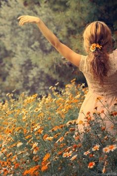 Outdoorsy girl outdoors nature flowers free
