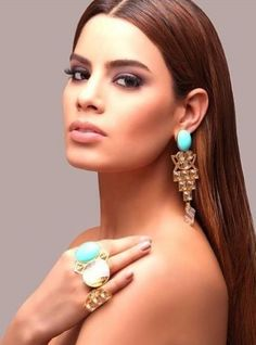 Ariadna Gutierrez ~ Miss Colombia 2014 Latina Tattoo, Afro, Miss Colombia, Latin Women, Glamorous Makeup, Attractive Girls, Beauty Pageant, Diamond Are A Girls Best Friend, Beauty Queens