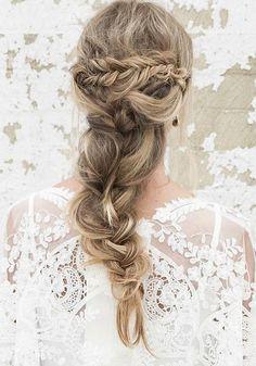 Long Wedding Hairstyles via Vanessa Barney hair / http://www.himisspuff.com/vanessa-barney-wedding-hairstyles/