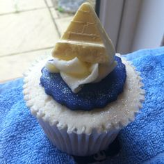 Egyptian pyramid cupcake