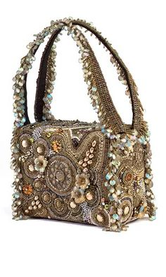 """Take a """"Personal Journey"""" with purse festooned with seed beads, pearls and gemstone flowers designed by Sherry Serafini. It was a Finalist in the 2005 Bead Dreams contest. - Fire Mountain Gems and Beads Beaded Clutch, Beaded Purses, Beaded Bags, Beaded Jewelry, Vintage Purses, Vintage Bags, Vintage Handbags, Unique Purses, Embroidered Bag"""