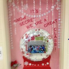 a snow globe door decoration. Amazing what you can do with an embroidery hope, tie wraps and vinyl table cloth! a snow globe door decoration. Amazing what you can do with an embroidery hope, tie wraps and vinyl table cloth! Christmas Door Decorating Contest, School Door Decorations, Office Christmas Decorations, Winter Door Decoration, Christmas Ideas, Christmas Classroom Door, Classroom Decor, Classroom Design, Preschool Door